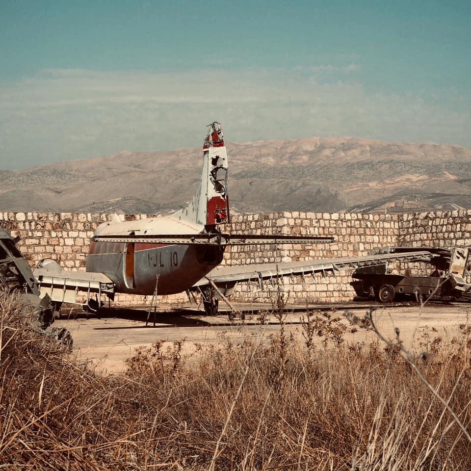 liban adam parole vivre oubli memoire bien mal humain avion desert photo gracia bejjani