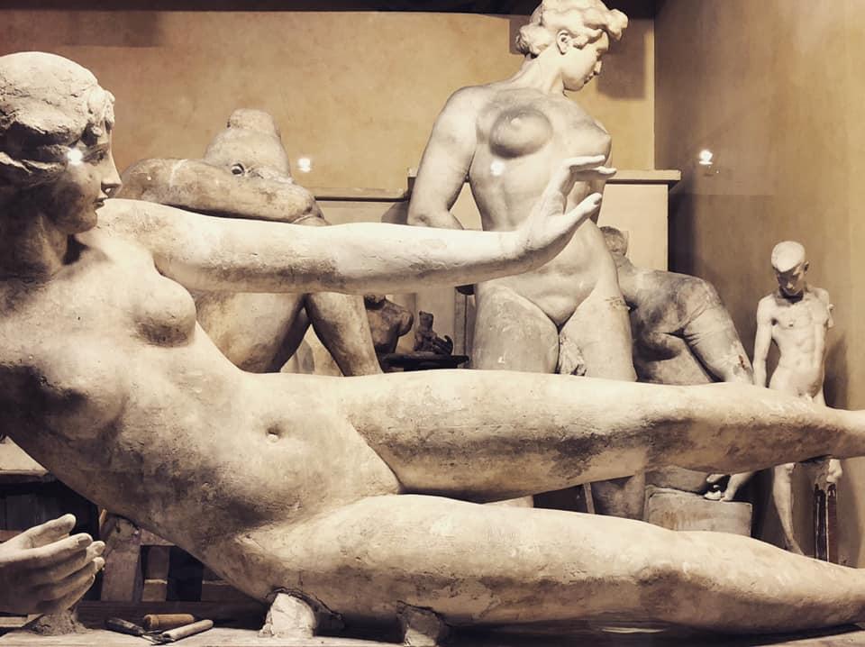 photo gracia bejjani statue musee paris