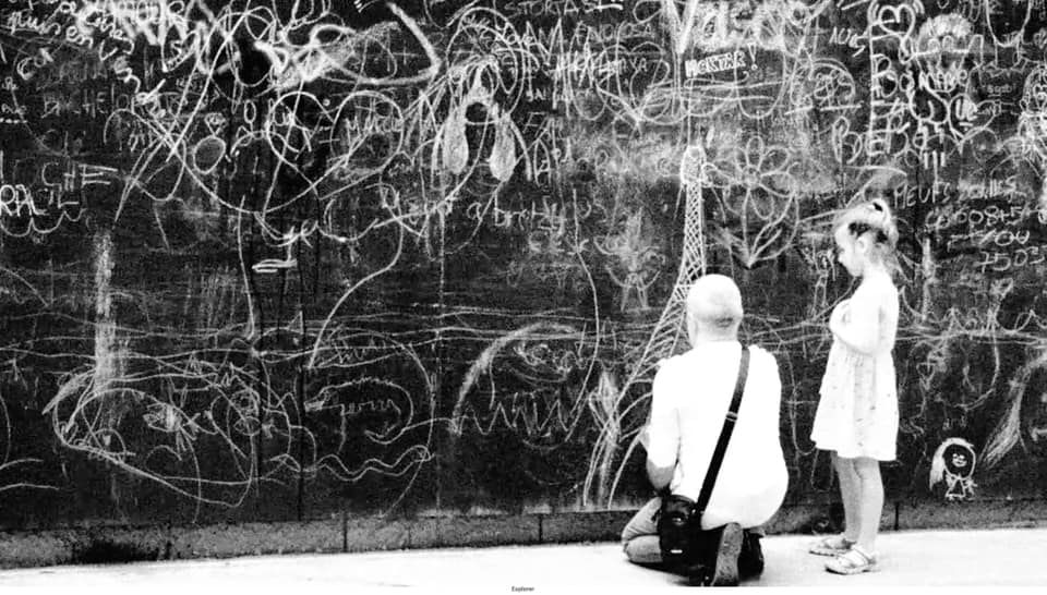 mur paris seine gracia bejjani street-photo vieillir vieillesse parole enfants