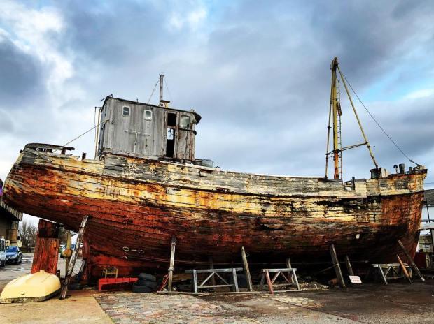 bateau et signe de temps
