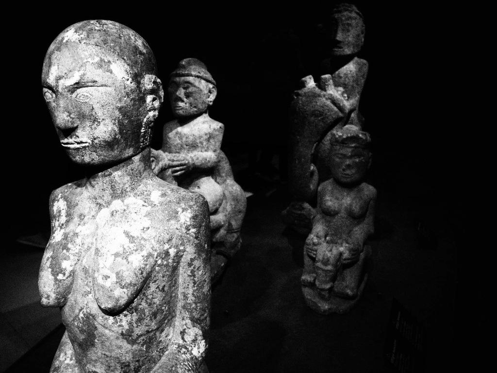 statue étrangers paris anonyme