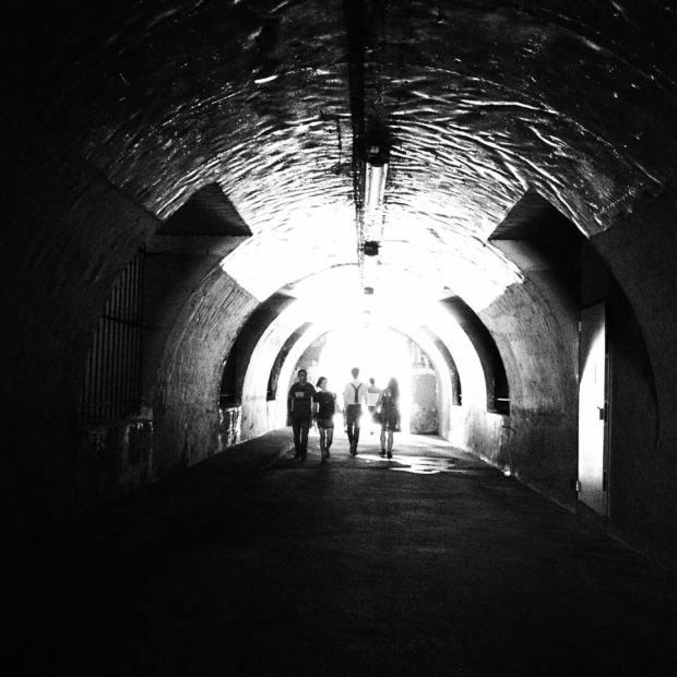 tunnel retrouvailles croisement lumière seine